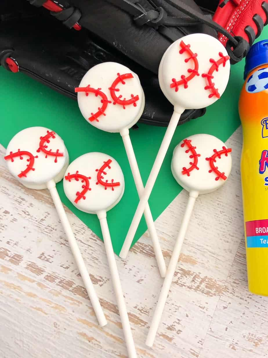 If you're looking for a baseball team snack, look no further! These Baseball Oreo Pops would be great for a season-end party, or a little league team snack!